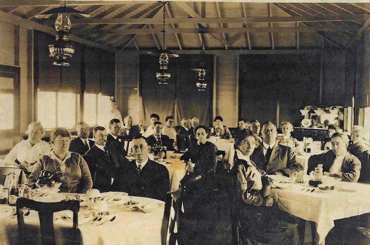 dining room of the Sleepy Eye Lodge