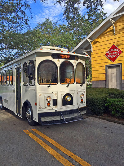 A narrated trolley tour will travel around Vero Beach