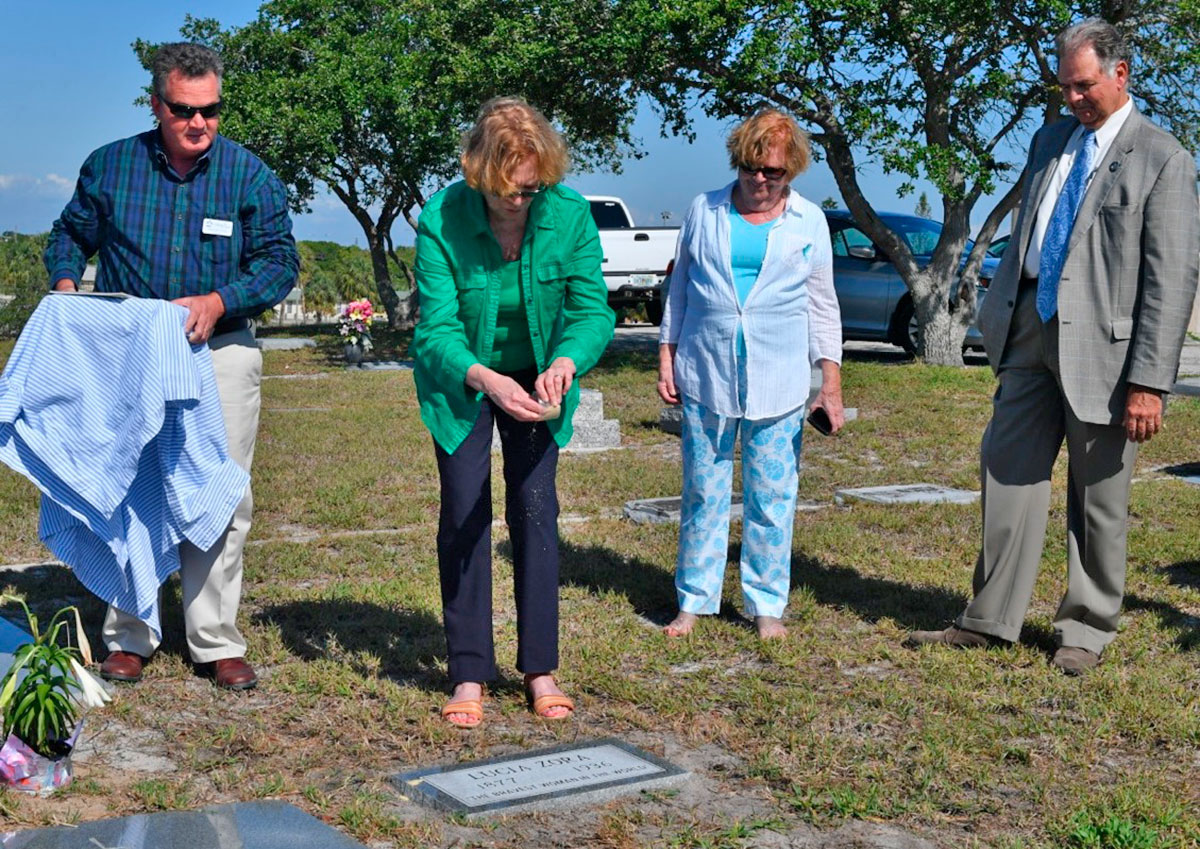 Celebrated circus performer gets grave marked after 81 years of anonymity
