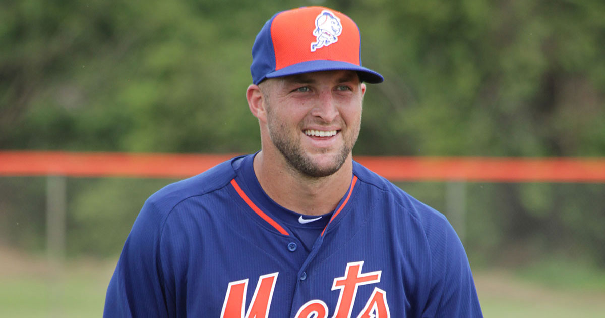 Tebow takes Treasure Coast by storm